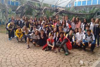 Xaverianos da 2º série do Ensino Médio visitam a USP
