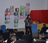 A escritora Amanda Castanheira visita os Xaverianos do Inf. II