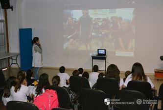 Xaverianos do 6º ano participam de vídeoconferência com escolas americanas