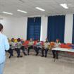 Colaboradores da limpeza realizam capacitação sobre práticas sustentáveis