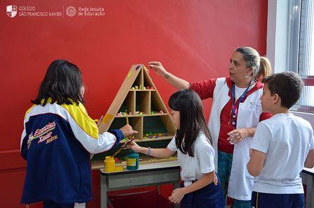 Aula Interdisciplinar – Pirâmide Alimentar Viva