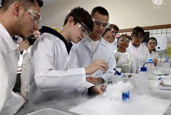 Terceiras séries aprendem sobre equilíbrio químico
