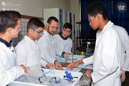 2ª série aprende sobre aplicação de corrente elétrica