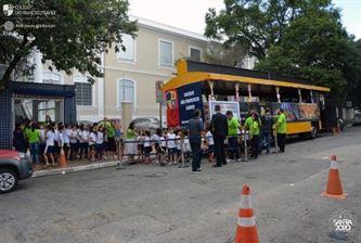 Xaverianos passeiam de trem pelas ruas do Ipiranga