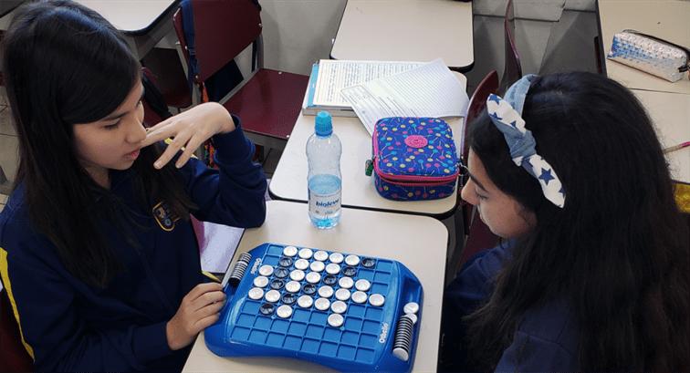 Xaverianos aprendem matemática através de jogos de lógica