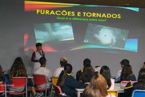 Tornados, furacões e densidade