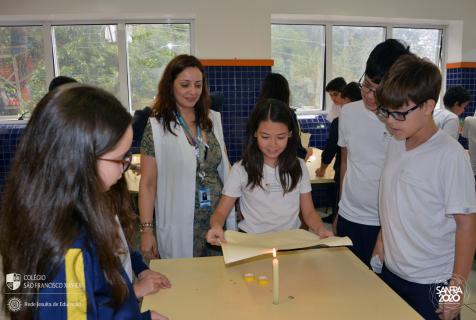Projeto Civilização: 6ºs anos realizam a confecção de papiros