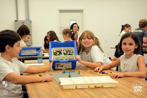 Xaverianos usam Lego para estudar vocabulários na aula de inglês